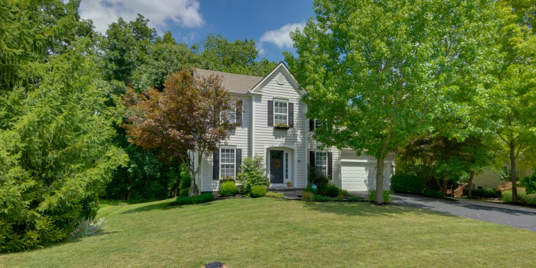 2136 Castlebrook Dr Powell OH 43065-1