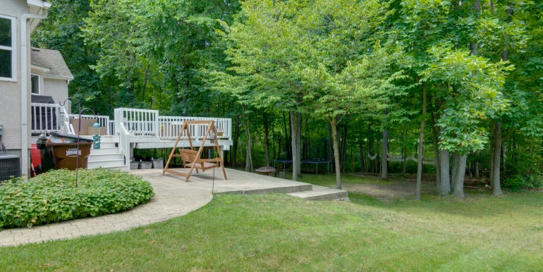 2136 Castlebrook Dr Powell OH 43065-8