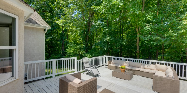 2136 Castlebrook Dr Powell OH 43065-9